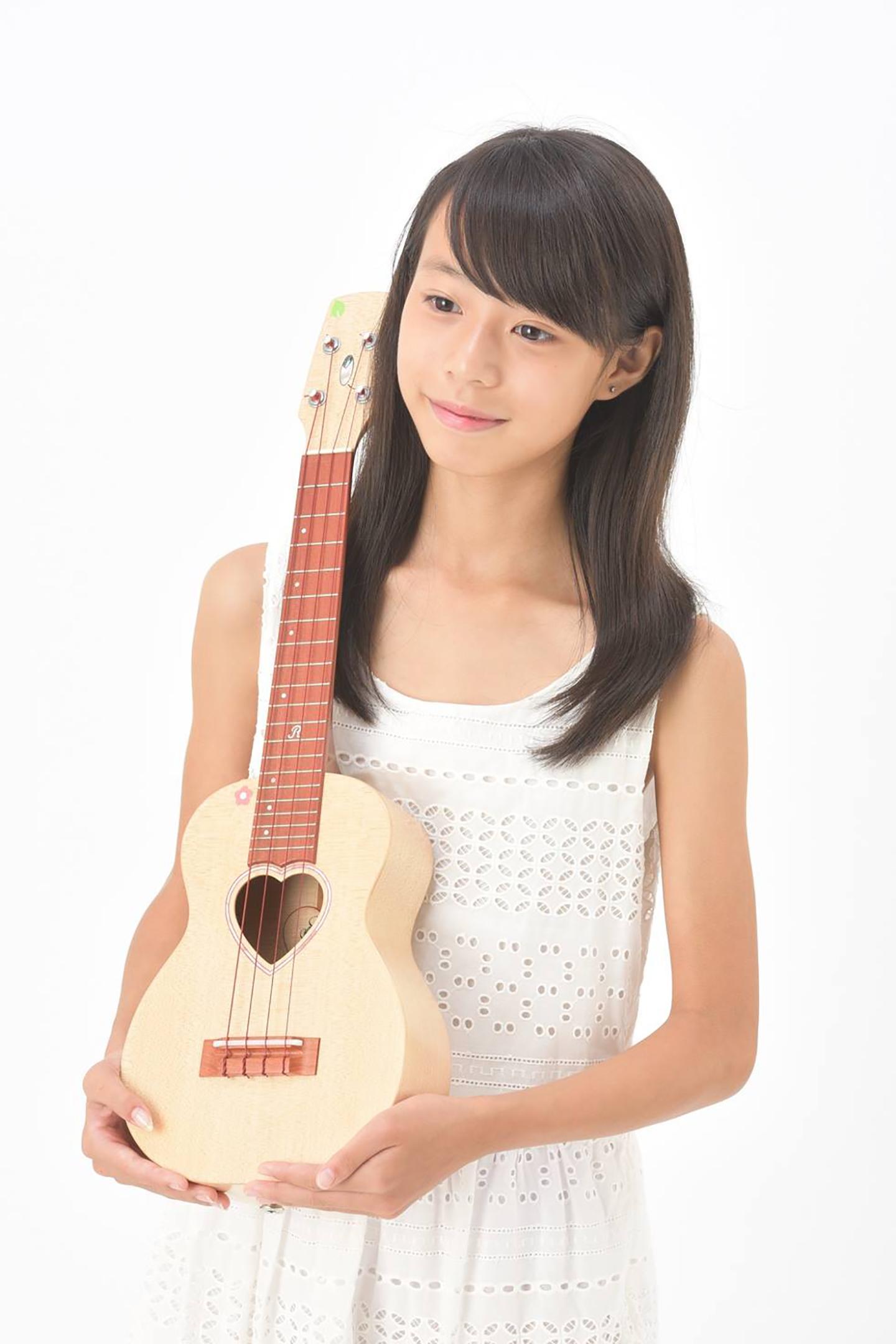 ウクレレ奏者ukurenaのアーティスト写真